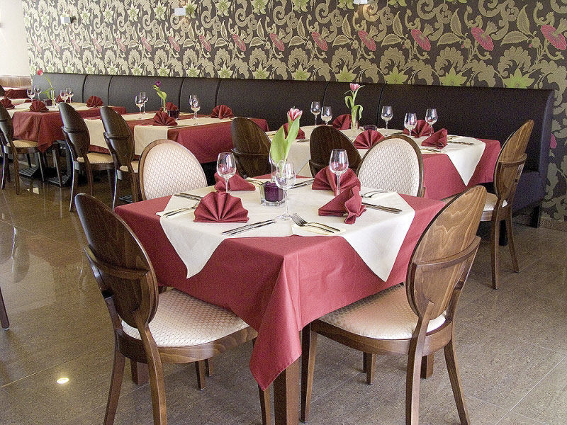 Hotel Eminent - reštaurácia