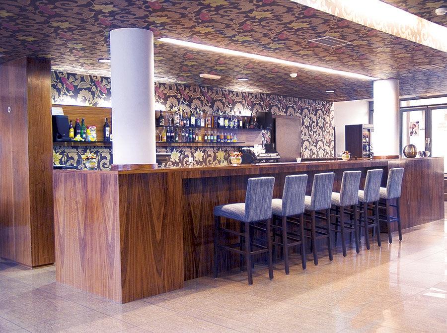Hotel Eminent - bar