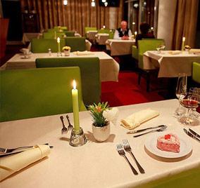 Pax - Reštaurácia